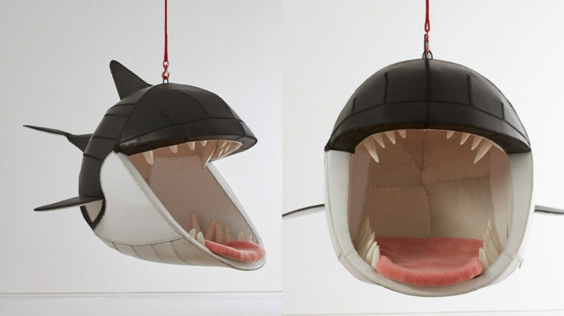 These-hanging-chairs-let-you-sit-in-the-mouths-of-animals-810x455